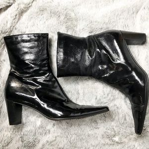 EUC✨AQUATALIA Black Patent Leather Ankle Booties 9